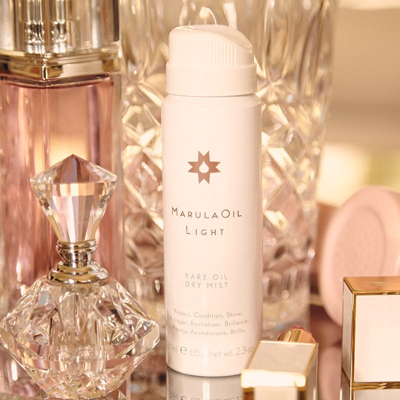 image of the marulaoil volumizing collection model